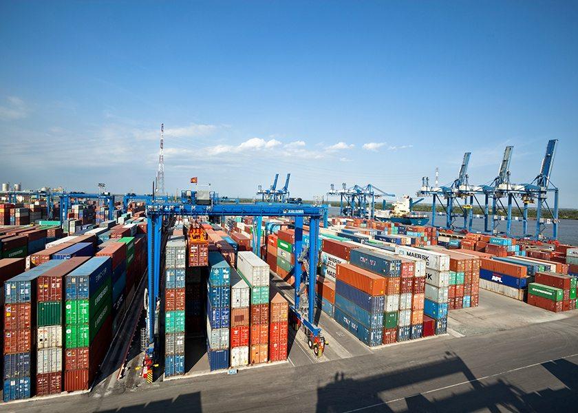 Широкопролетный контейнерный кран для терминала феско